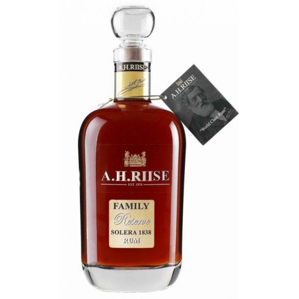A.H. Riise Family Reserve Solera 1838 42% 70cl Premium Rum fra Saint Thomas