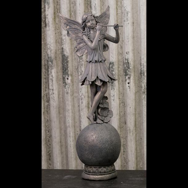 Populære Figur – Engel/Fe stående på kugle. - Engle - Design Og Handelshuset IA-46