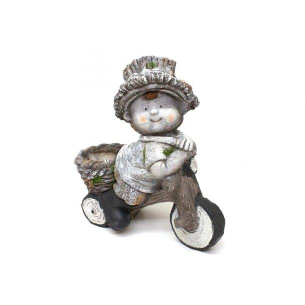 Havefigur – Dreng på cykel med plantekrukke